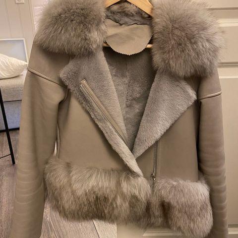 Designer naturlig pels fra Canada. Mulig å kjøpe i avdrag