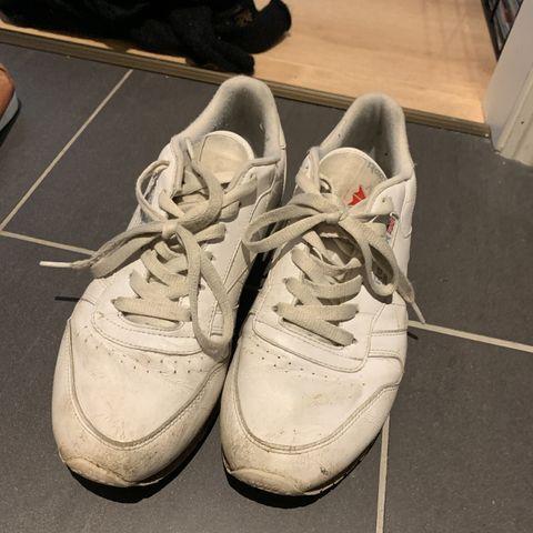 Sko, joggesko, hæler, kilehæl, boots og div | FINN.no