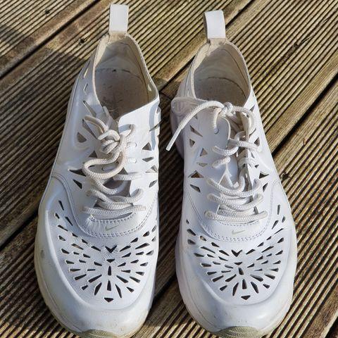 50kr pr par Sko str 38. Nike, Adidas, Bianco ++ | FINN.no
