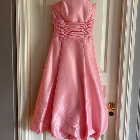 Rød Pull & Bear kjole i str L.   FINN.no