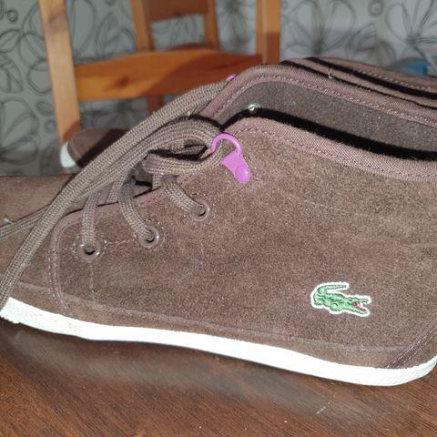 Nye ubrukte sko selges.Merker :Asfvlt ,Skechers og HUB.Str