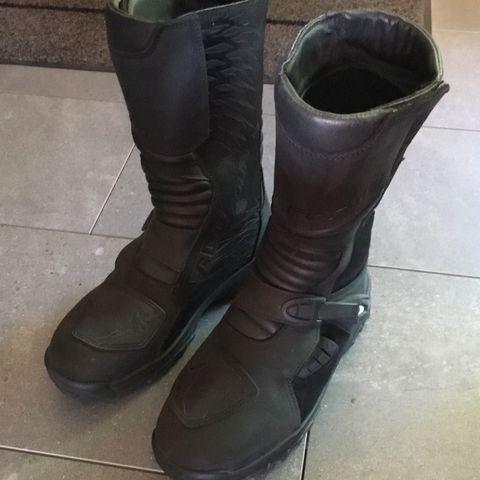 Forma Trace MC støvler str 48   FINN.no
