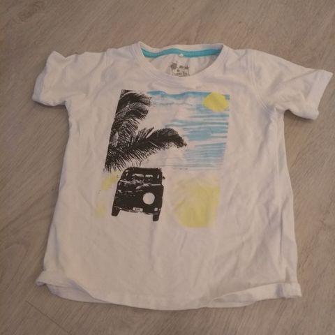Adidas t skjorte str 4 år | FINN.no