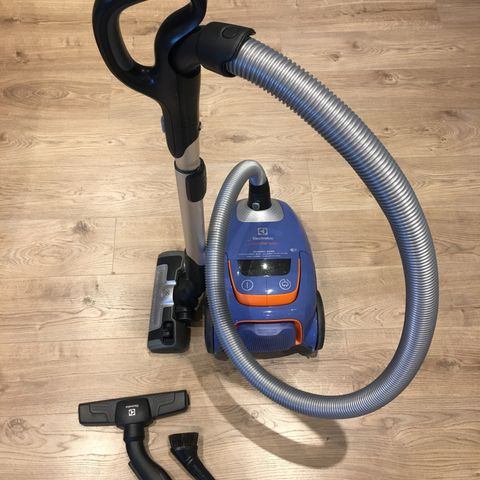 Pent brukt Bosch free støvsuger 2100 watt   FINN.no