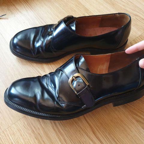Blanke sorte skinn dress sko, str 41 TGA | FINN.no