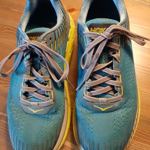 Nike Zoom Maxcat Piggsko (sprint) Str 40.5 | FINN.no