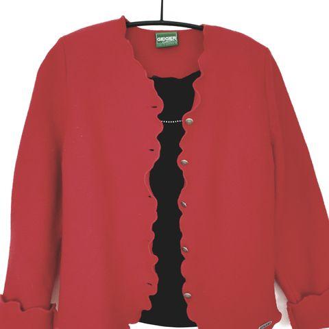Kordfløyel jakke fra Bikbok str. S   FINN.no