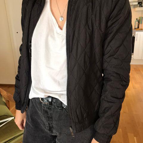 Plus Fine bluse i str. XL (liten i størrelse) selges | FINN.no