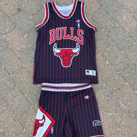 Chicago Bulls college jakke år 1993 | FINN.no