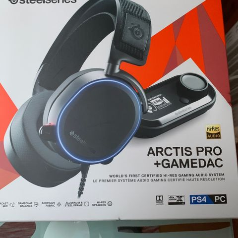 Steelseries gaming keyboard, headset, dac, maus used, but