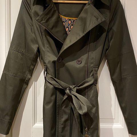 Anine Bing splitter ny Army jakke | FINN.no