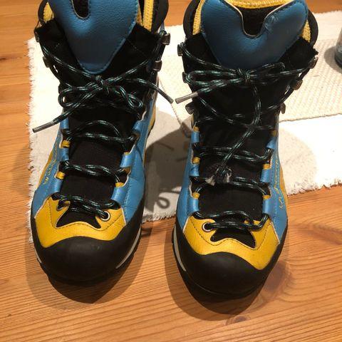 Simms Freestone midjebukse med sko | FINN.no