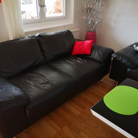 Sofa i kunstskinn, recliner | FINN.no