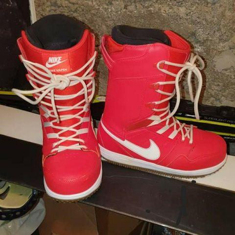 Burton Snowboard + sko i str. 40,5 | FINN.no