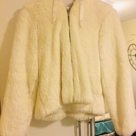 Bolero, kort jakke til brudekjølen | FINN.no