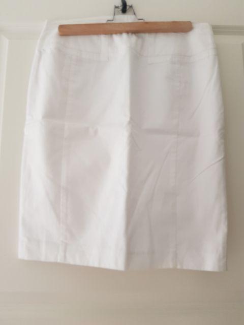 0da41556 Hvit skjørt i 100% cotton, STEFFEN SCHRAUT, størrelse 36
