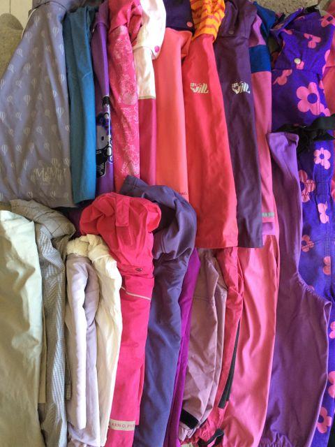 89eaf26e Regnsett,regnjakke,skallbukse,Hh bukse,Pop jakke,Stormberg dress str 104