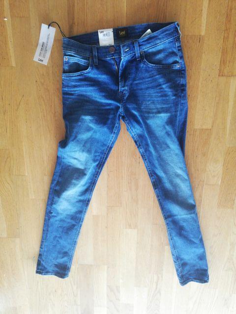 4d553f9f Selger en helt ny lee bukse str 28 til 32