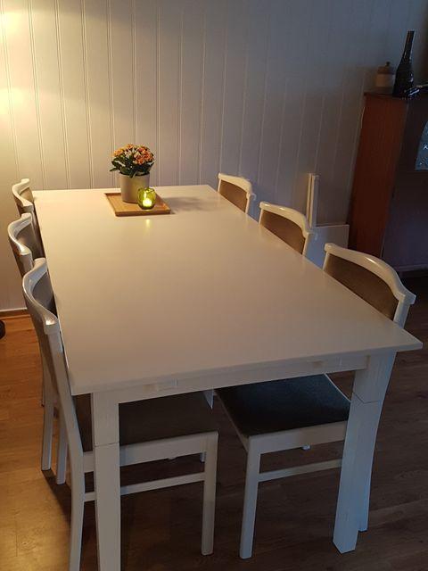 Utstilling 50% spisestue og skap | FINN.no