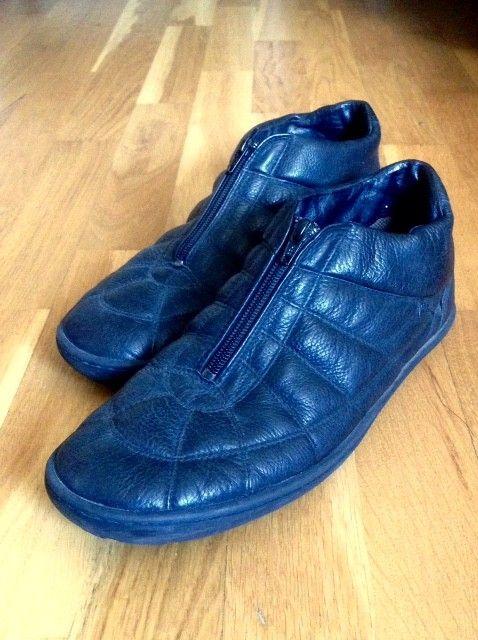 Camper Shoes i supermykt sort skinn str. 44 - Oslo  - Pene kvalitetssko fra Camper i sort mykt skinn, knapt brukt og desverre blitt boende i skapet den siste tiden. Str. 44 - normal i størrelsen. Nye kostet de tett på 1500,- Se gjerne mine andre annonser her på finn, ved kjøp av flere ting blir p - Oslo