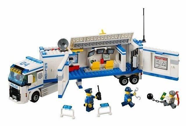 Lego City 60044  Mobile Police Unit Komplett med tegninger - Horten  - Lego City 60044 Mobile Police Unit Helt Komplett med alle tegningene og original esken  Tegninger og lego i veldig god stand, som ny. Alle klistremerkene er festet, ingen mangler  Frakt 103kr. Frakten er 42kr d - Horten