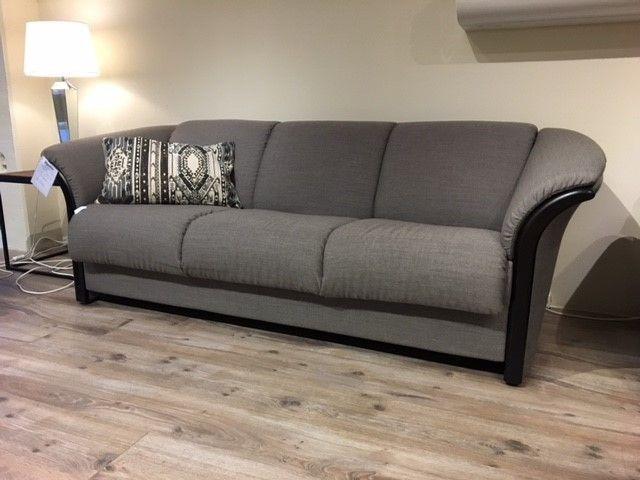 tilbud ekornes manhattan 50. Black Bedroom Furniture Sets. Home Design Ideas
