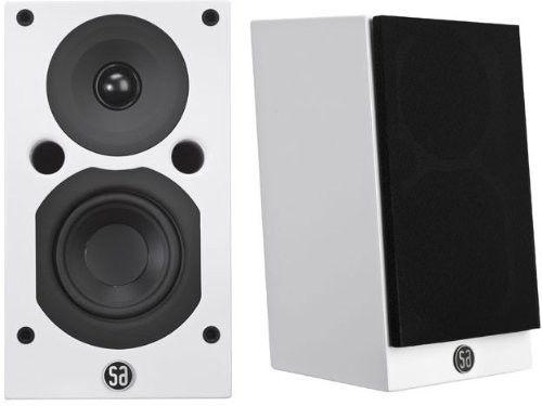 System Audio Saxo 8 - Skollenborg  - Nesten ubrukte System Audio Saxo 8 i hvit høyglans selges. Perfekte som bakhøyttalere eller bokhylle høytalere.  Har emballasje til de så de kan sendes.  Sjekk link for mere info.  https:/ - Skollenborg