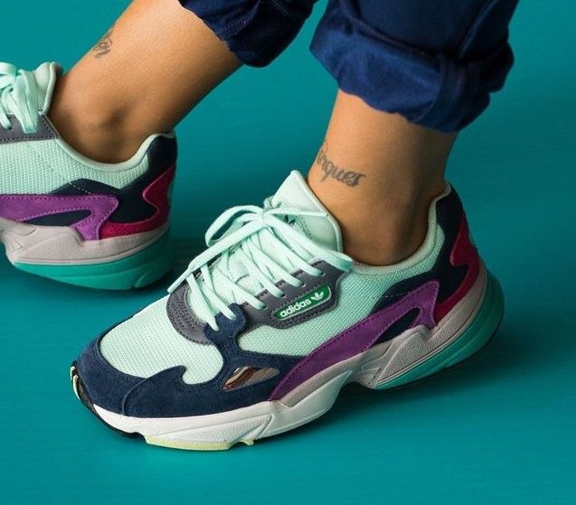 Adidas Falcon retro sneakers | FINN.no