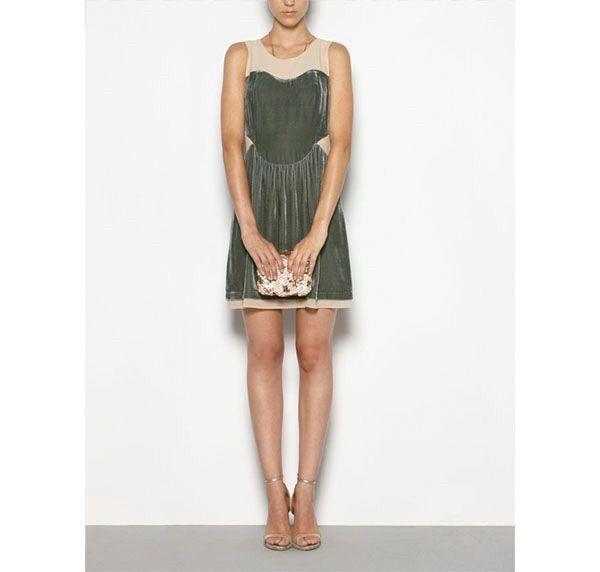 44734b2dae77 flaskegrønn kjole fra Hoss Intropia (anthropologie)
