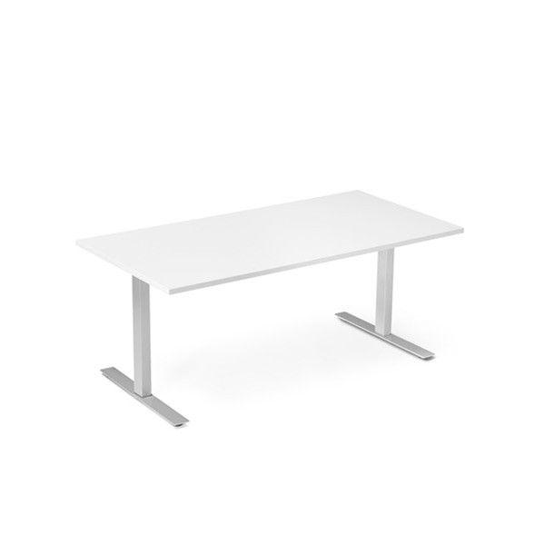 Skrivebord med manuell hevesenkefunksjon | FINN.no