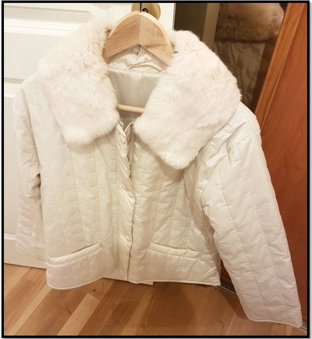 58b67399508c Nye hvit flott jakke fra Punt Roma - Størrelse 46 - Selges rimelig ...