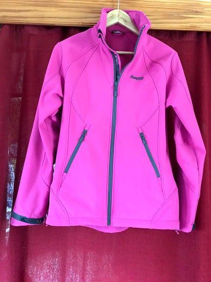 580e5b20 Bergans softshell jakke M-38 | FINN.no