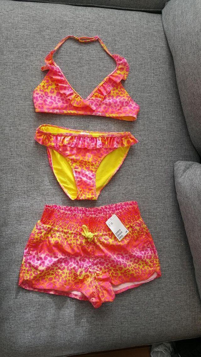 073cd3a3 Unik badetøy for unge jenter i str. 170 Bikini-BH, bikinitruse og  badeshorts. | FINN.no