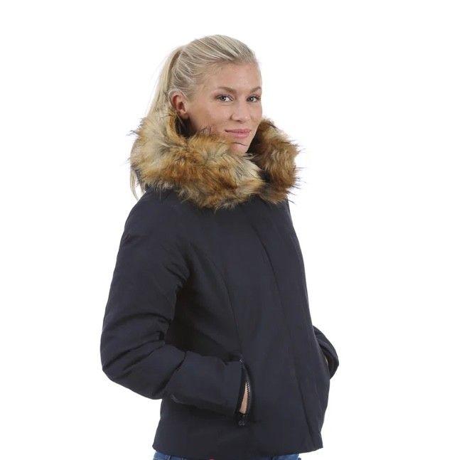 SVEA jakke kort   FINN.no