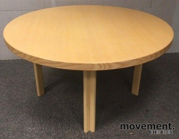 Designbord rundt møtebord fra Artek,Design: Alvar Aalto, Ø