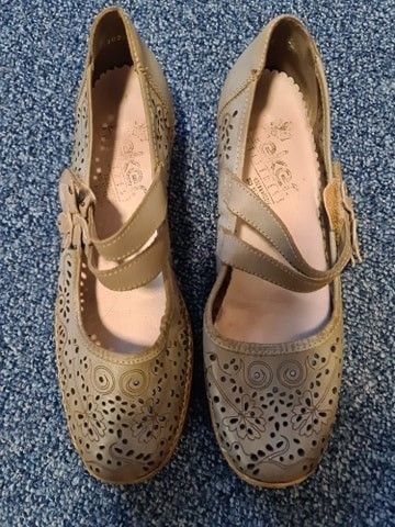 Fin dame sko str 38,5 brun | FINN.no