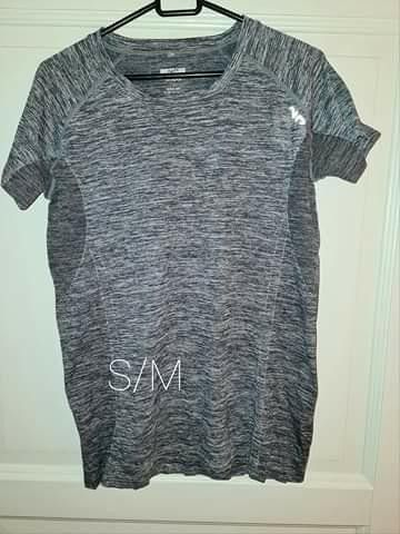 22 stk t skjorter, skjorter og gensere str L | FINN.no