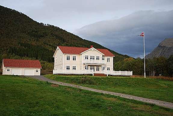 HERREGÅRD 008