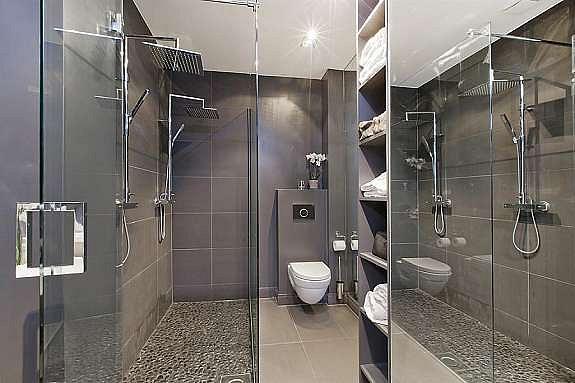 Bad med doble dusjhoder
