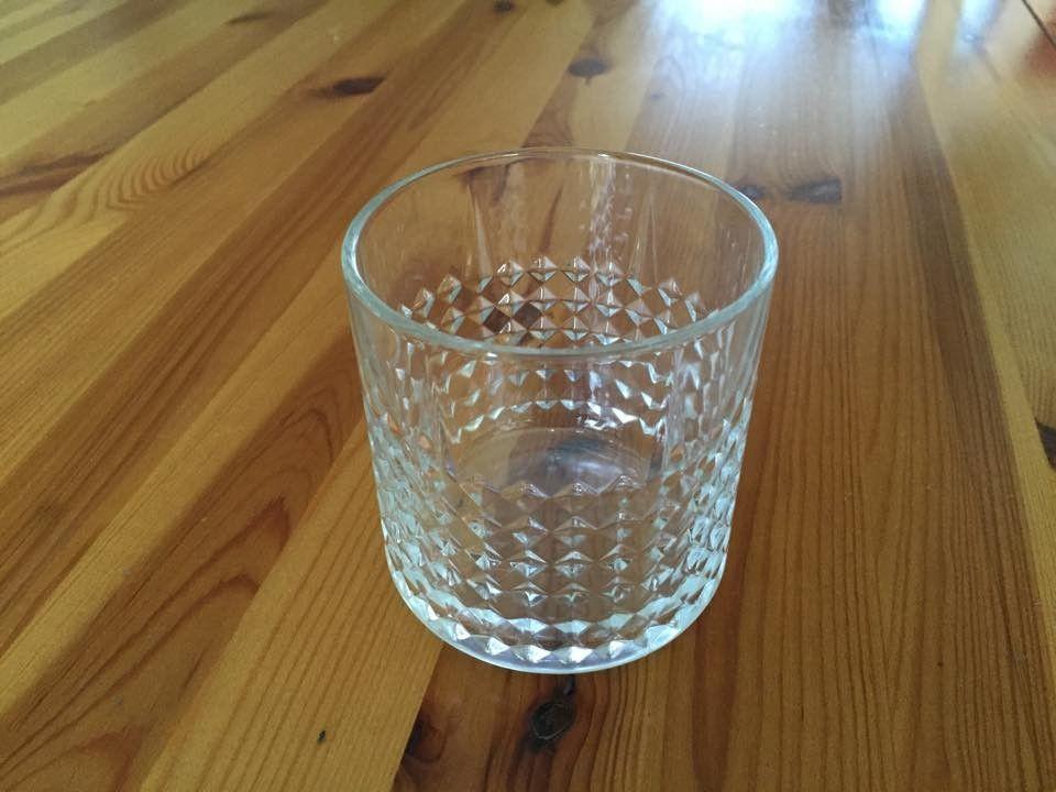 whisky glass - Oslo  - Pent brukt whisky glass 6 stk selges på en god pris kun kr 50 for alle     Blå kaffe servise til 12 personer total 36 del kr.200  Ring 93618837 - Oslo