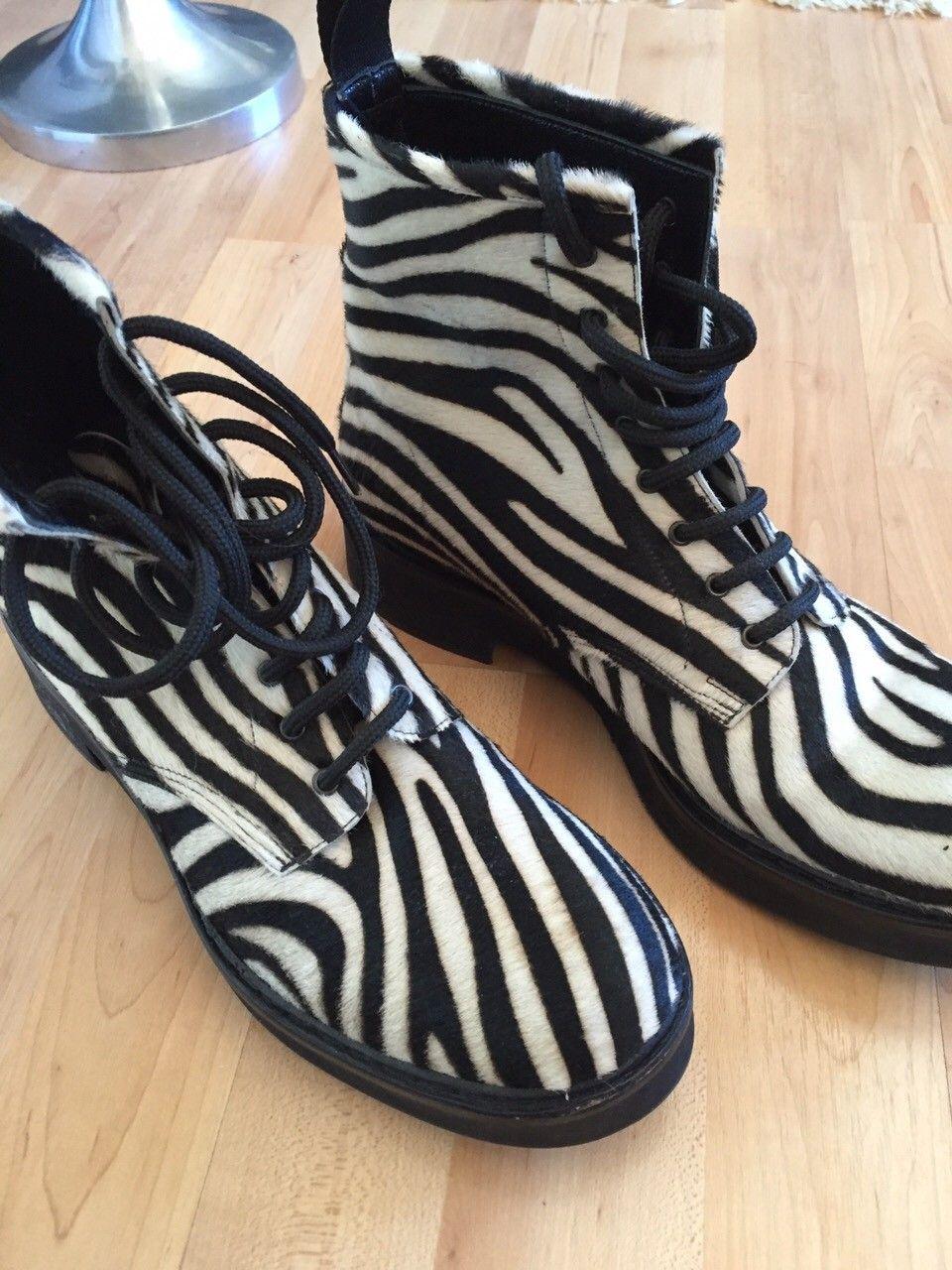 Designer sko (dame) fra Enrico Antinori  str 39 - KOM MED BUD! - Lillestrøm  - Designer damesko fra Italia, Enrico Antinori. Ny pris 3498. Skoene er av ekte skinn/pels og er kun brukt en gang. Fremstår som nye.  Selges til hbo - kom med bud! - Lillestrøm