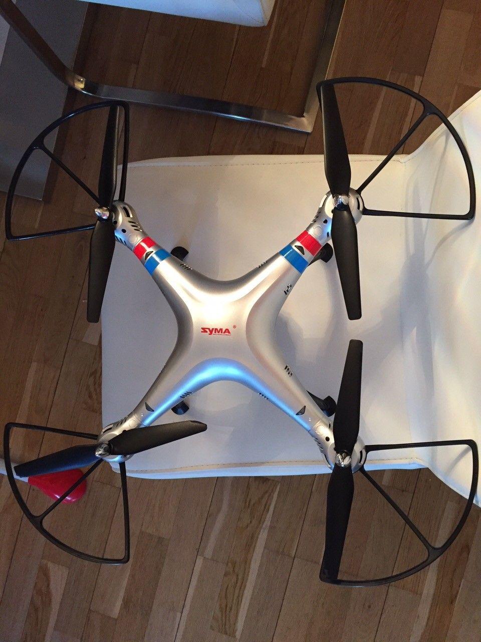 Drone helt til salgs - Oslo  - Drone helt ny til salgs den er kjempe diger kan ta bilder med kamera i lufta og alt. - Oslo