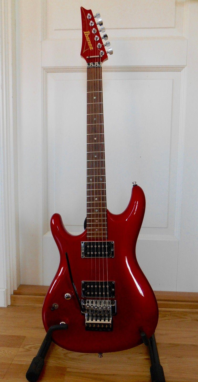 IBANEZ JS1200 Lefty - Laksevåg  - IBANEZ JS1200 lefty selges  Dette er en leftyversjon av Joe Satriani sin signaturmodell. Det finnes masse info om denne på nettet. Gitaren er strøken, med unntak at et lite chip på baksiden av nedre horn (se bildet) &#10 - Laksevåg