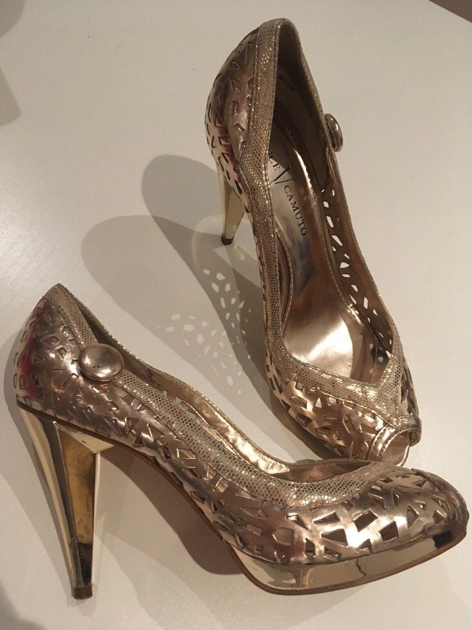 Gull-sko fra Vince Camuto - Bergen  - Stilige gull-sko selges billig. Perfekt til kommende julebordsesong :)   Brukt et par ganger, så de er i god stand med et par mini-skavanker.   Str: EU 36,5   Sender gratis :) - Bergen