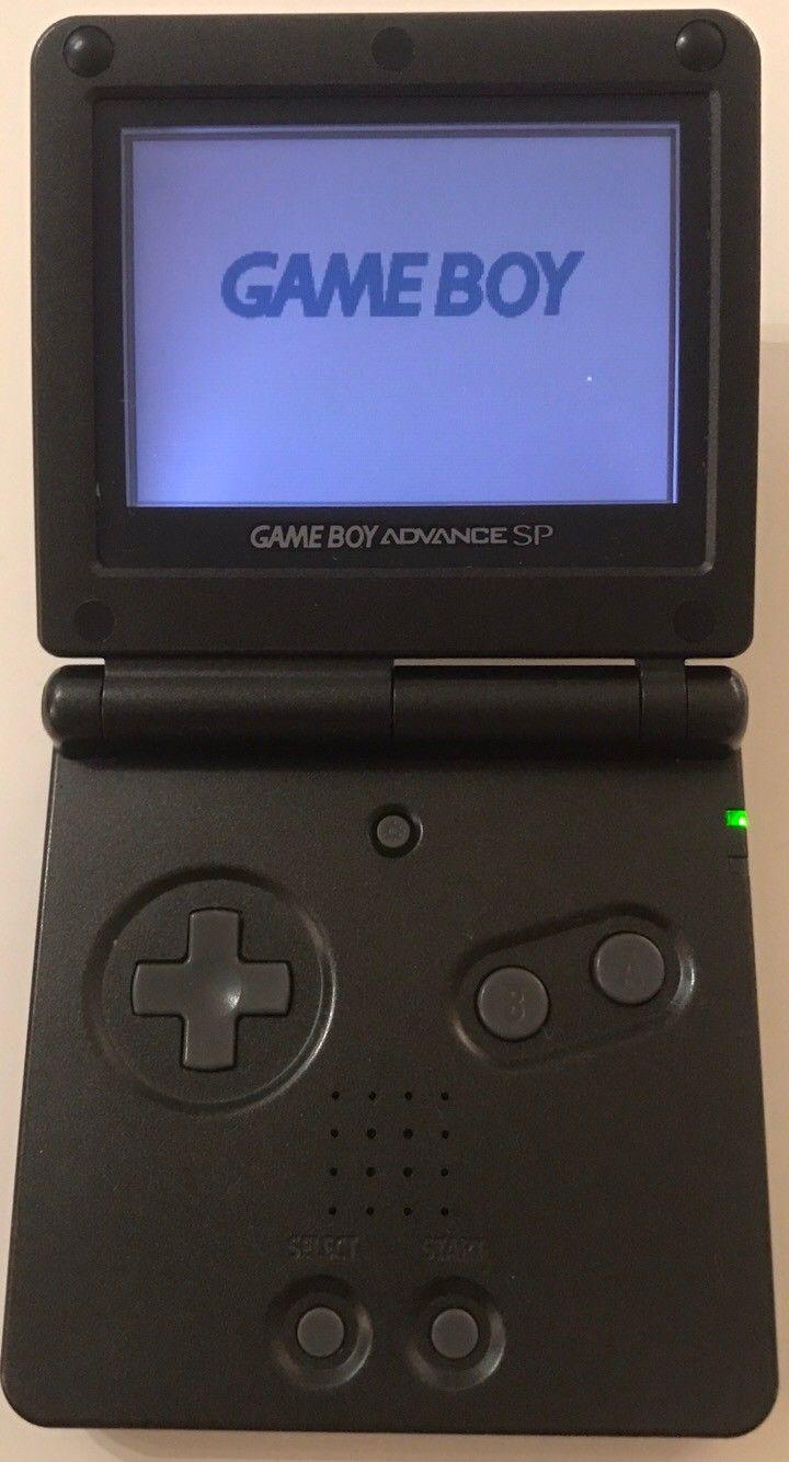 Gameboy Advance SP AGS-001 - Oslo  - Selger relativt lite brukt Gameboy Advance SP konsoll Konsollen kan spille Gameboy/Gameboy Color/Gameboy Advance spill. Lader følger selvfølgelig med.  Kan sendes i posten eller hentes i Oslo - Oslo