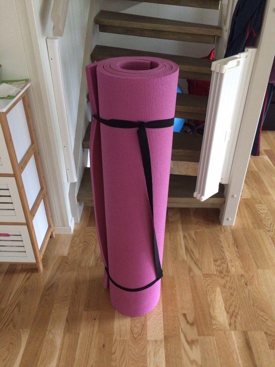 Lekematte - Skien  - Brukt lekematte fra barn og utstyr. Noe rifter, ingen hull. Ca 2 cm tykk. Ca 102x 180 cm.    - Skien