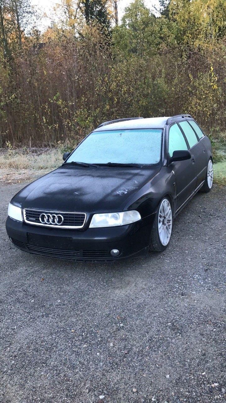a4 b5 selges i deler - Disenå  - Audi a4 b5 1,9tdi fwd 1999mod  - Fillete automatkasse - Noe rust i dører  - Motorkode afn/avg - Speil, fremdør passasjer side, felger, alt av lamper, grill, coilovers og turbo er ikke til salgs - 347xxx km - Nesten komplett,  - Disenå