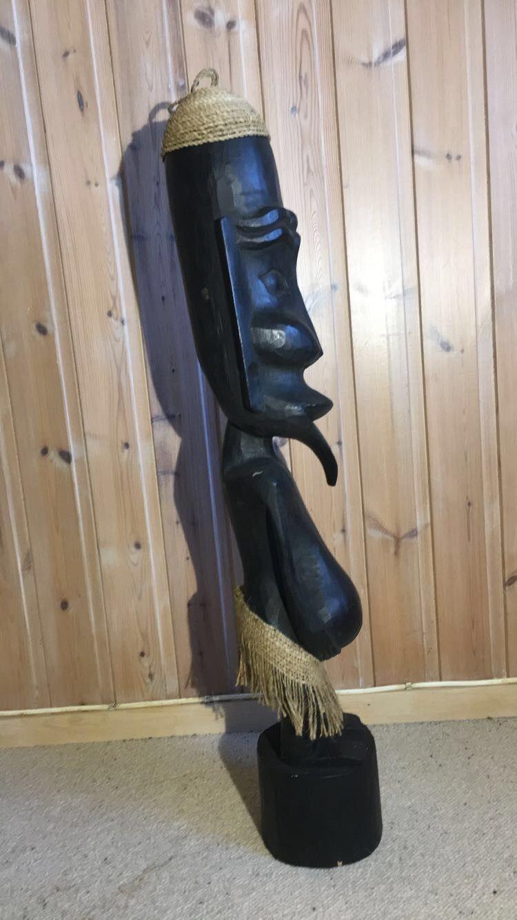 Afrika figurer - Morvik  - Flotte figurer kjøpt i Afrika for ca 20 år siden selges. Litt usikker på hvor den høyeste figuren stammer fra.  Mål De to minste figurene er 28 Cm høy. Den høyeste er 100 Cm høy. Selges samlet for 300,- - Morvik