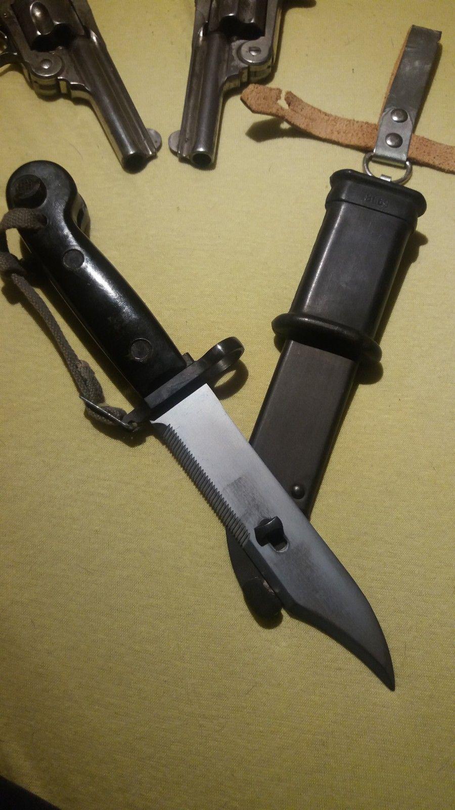 Ak47 bayonett. Med wirekutter - Mandal  - Kjøper betaler porto eller henter i mandal. Mulig en Tysk NVA Bayonette - Mandal
