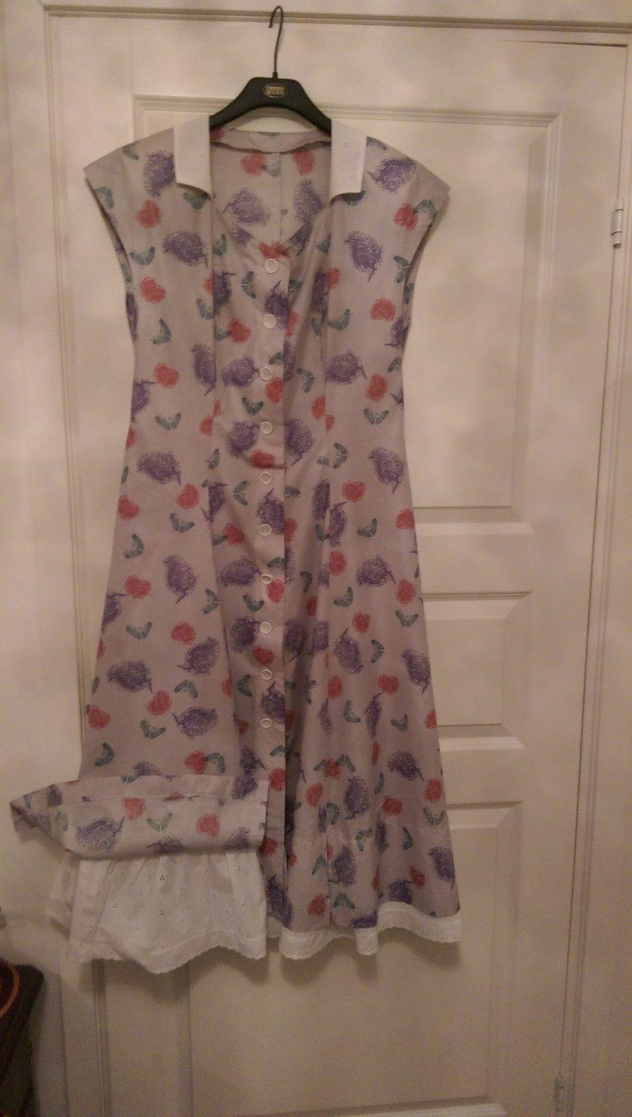 Sommer kjole sydd skreddet selges - Askim  - Sommer kjøle med blonder i 100% bomull - Askim